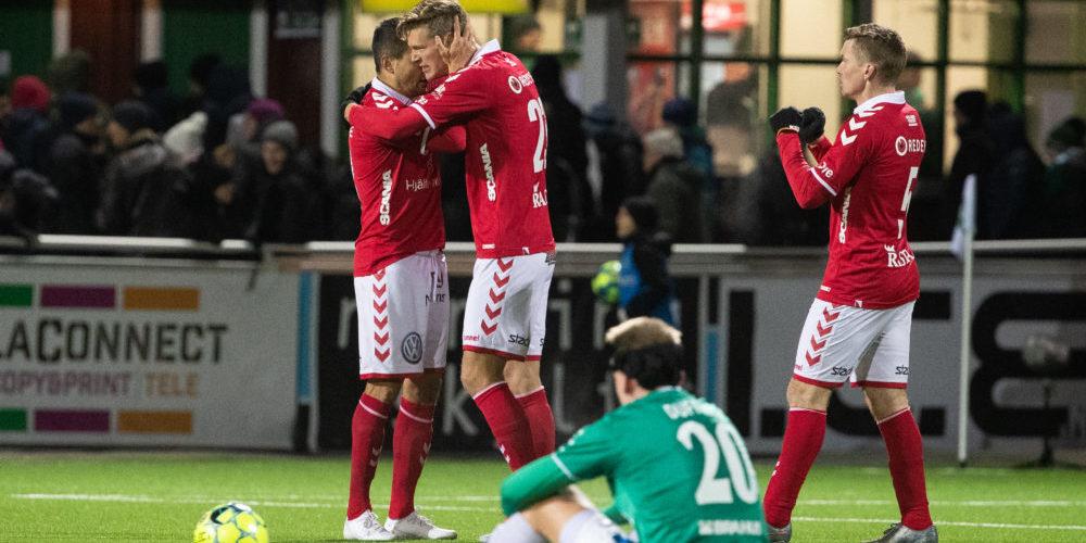 Kalmars spelarna jublar efter seger